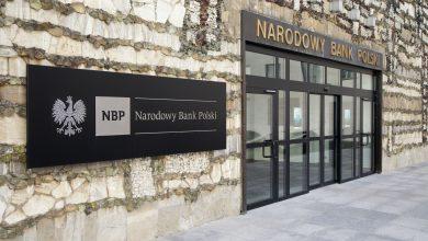 Photo of Polacy masowo wycofują pieniądze z banków! Od lutego ponad 64 mld zł