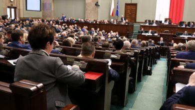 Photo of Sejm zdecydował: Więcej pieniędzy dla Policji i NFZ