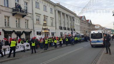 Photo of [PILNE] Warszawa: Protestujący rolnicy idądo prezydenta!