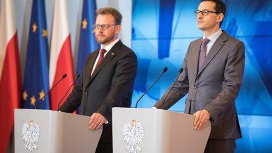 Photo of Morawiecki: Podjęliśmy decyzję o odwołaniu wszystkich imprez masowych