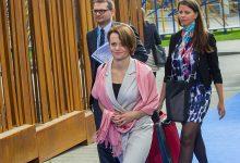 Photo of Emilewicz oszukała przedsiębiorców, podatek cukrowy nie zostanie przełożony