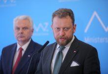 """Photo of Rząd przywraca obostrzenia! Na razie """"tylko"""" w 19 powiatach"""