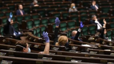 Photo of Posłowie przegłosowali sobie gigantyczne podwyżki! Kryzys? Jaki kryzys?