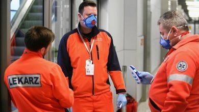 Photo of W szpitalach coraz mniej lekarzy! Koronawirus pogłębia problem