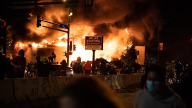 Photo of USA: Zamieszki po zabiciu Afroamerykanina. Trump uznaje Antifę za organizację terrorystyczną.