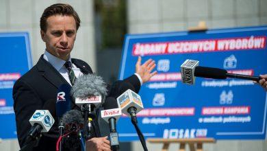 Photo of Bosak chce, by Sasin zapłacił 5 milionów za druk kart. Przygotował pozew.