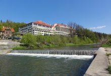 Photo of Właściciel Hoteli Gołębiewski będzie walczyć z kryzysem z własnej kieszeni. Zastawił majątek, nikogo nie zwolni.