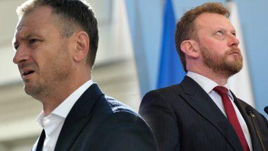 Photo of Nitras: Politycy PiS z własnych żon zrobili słupy. Szumowski: Dałbym mu w pysk, ale szkoda czasu.