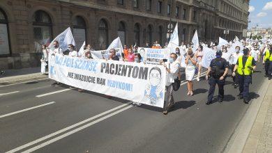 Photo of Protest medyków w Warszawie: Dajcie szansę pacjentom! Nie związujcie rąk medykom!