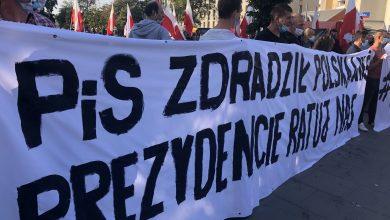 Photo of Warszawa: Rolnicy protestują pod siedzibą PiS przeciwko Piątce dla zwierząt