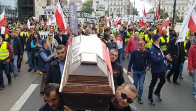 """Photo of Warszawa: Kolejny protest rolników. """"Kaczyński zdrajca wsi!"""" i """"zdradziecka morda"""""""