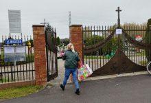 """Photo of Proboszcz zamienił cmentarz na """"park cmentarny"""" i ominął zakaz Morawieckiego"""