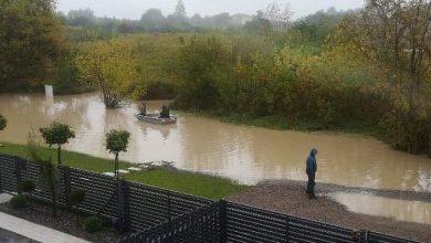 Photo of Lublin: Pływali łódką po zalanej drodze, żeby miasto ją w końcu wyremontowało
