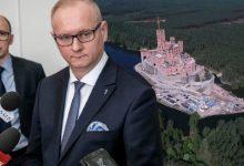 Photo of Wojewoda wielkopolski odwołany przez Morawieckiego. Przez Zamek w Puszczy