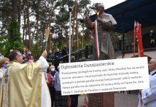 Photo of Postawili pomnik papieża za 50 tysięcy i nie mają pieniędzy na spłatę kredytu