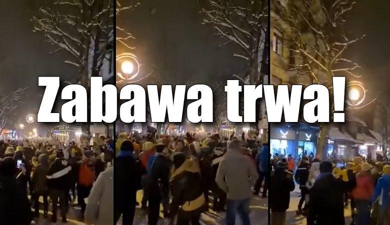 plotkibiznesowe.pl: Turyści szturmują Zakopane! Koronaimprezy i interwencje policji [WIDEO]