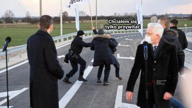 Photo of AgroUnia chciała się przywitać z Morawieckim, ale sobie poszedł