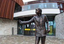 Photo of Uczelnia postawiła pomnik Grety Thunberg za 24 tysiące funtów