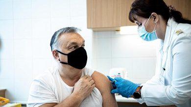Photo of Viktor Orban zaszczepiony chińską szczepionką Sinopharm