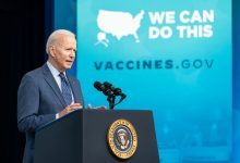 Photo of Biden zachęca do szczepień: Zrób sobie zastrzyk i wypij piwo!