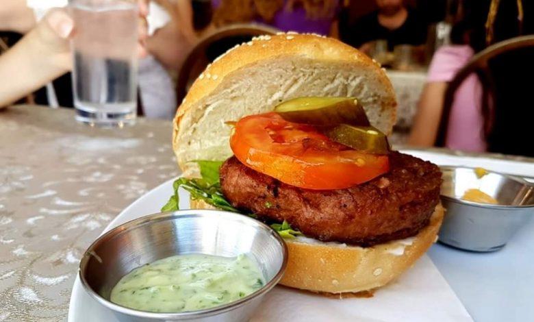 Photo of Szef wegańskiego Beyond Meat popiera podatek od konsumpcji mięsa