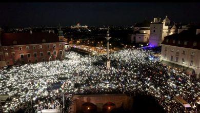 Photo of Masowe protesty w Polsce przeciwko wyjściu z UE